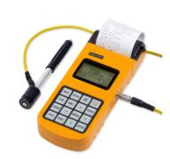 Härteprüfgerät HardyTest D700 von SaluTron mit externem Schlaggerät und integriertem Drucker